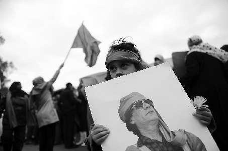 利比亚战争爆发,政府遭袭